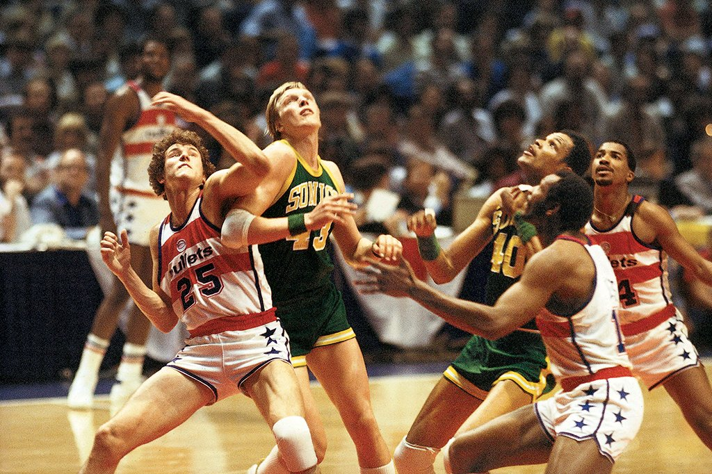 e7bd1566bbf5 The Bullets battle the Sonics in the  78 NBA Finals. Photograph courtesy of  NBA Photos.