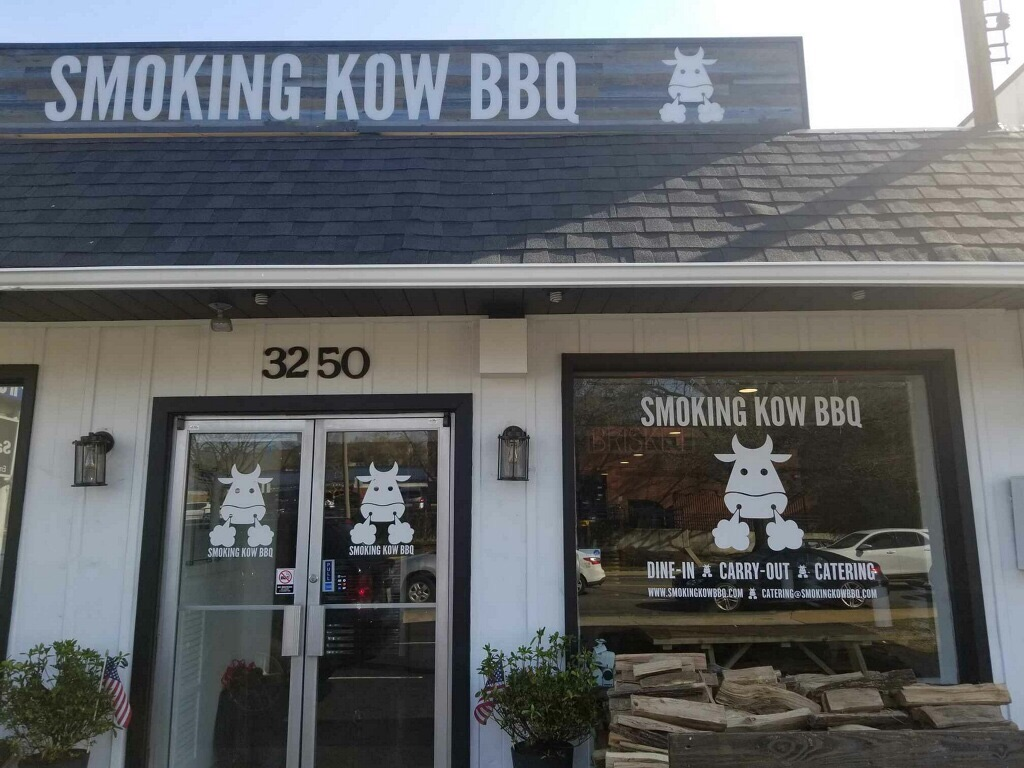 Smoking Kow, barbecue, Alexandria