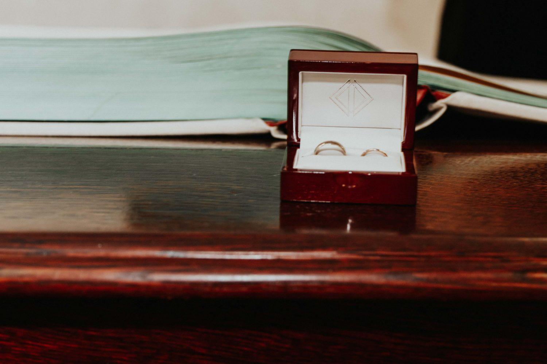 Sara Nicholes + Jacob Cooley Baltimore Courthouse Wedding Juno | Elizabeth McConeghey 8