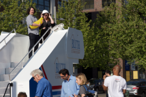 The Arrested Development Stair Car Got a Lot of Hop-ons in DC