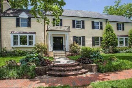 Ivanka Trump Chooses a House in DC
