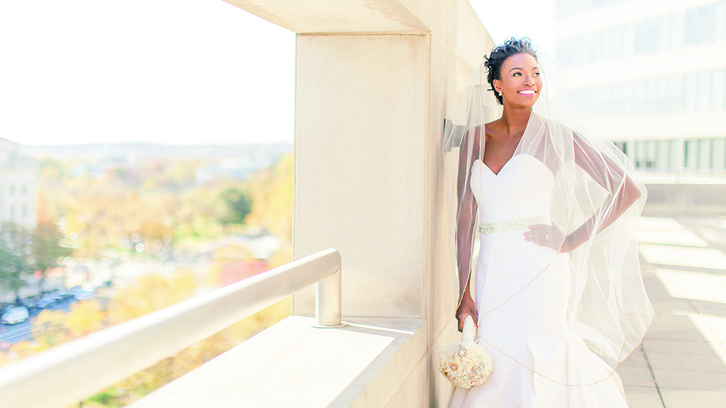 Here S What To Consider When Picking Out A Wedding Photographer And