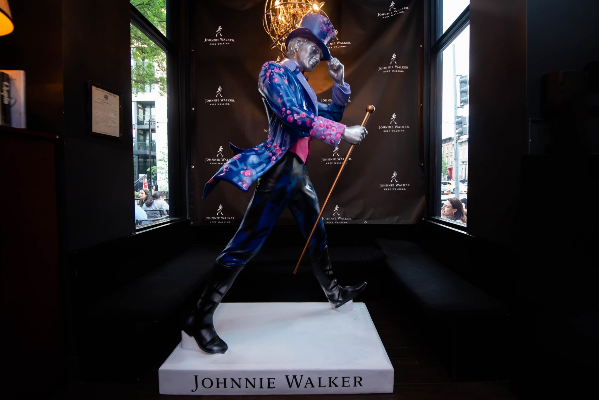 Photos: Johnnie Walker Keep Walking Statue Reveal