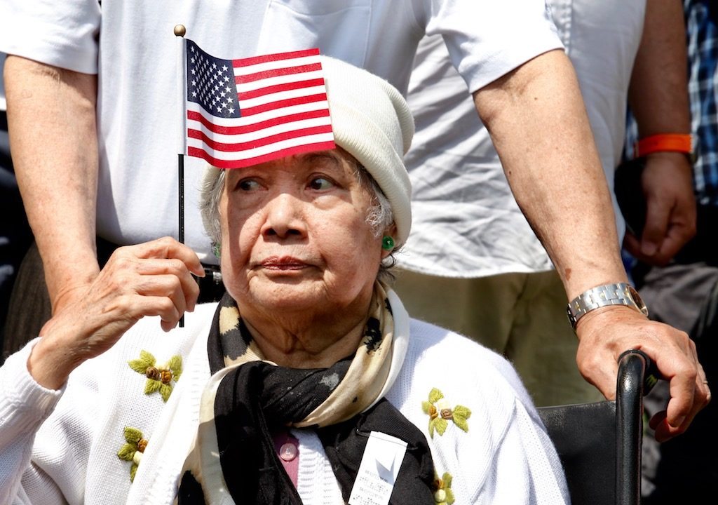 PHOTOS: US Naturalization Ceremony at Mount Vernon images 6