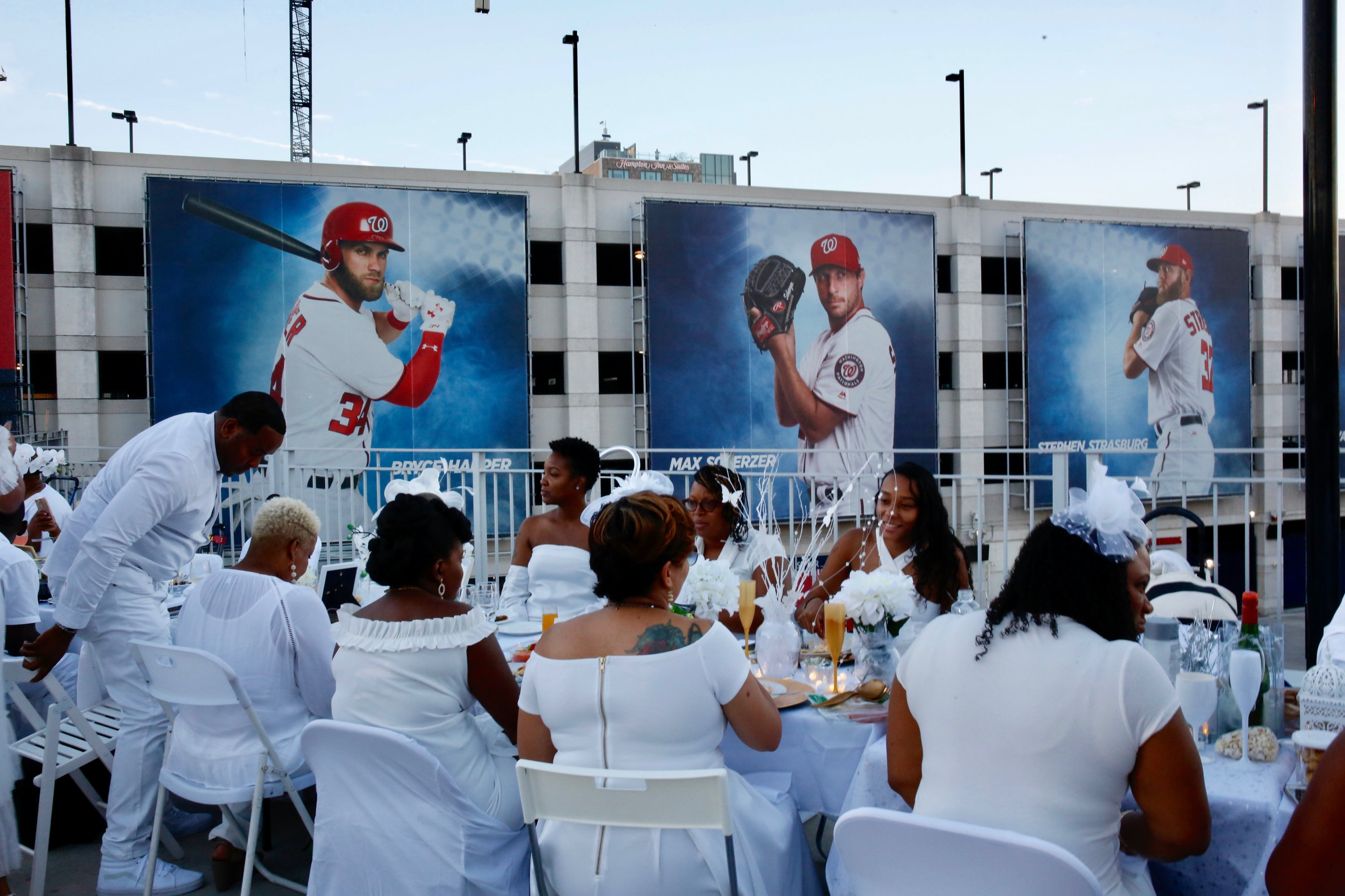DC Diner en Blanc 2018. Photo by Evy Mages.