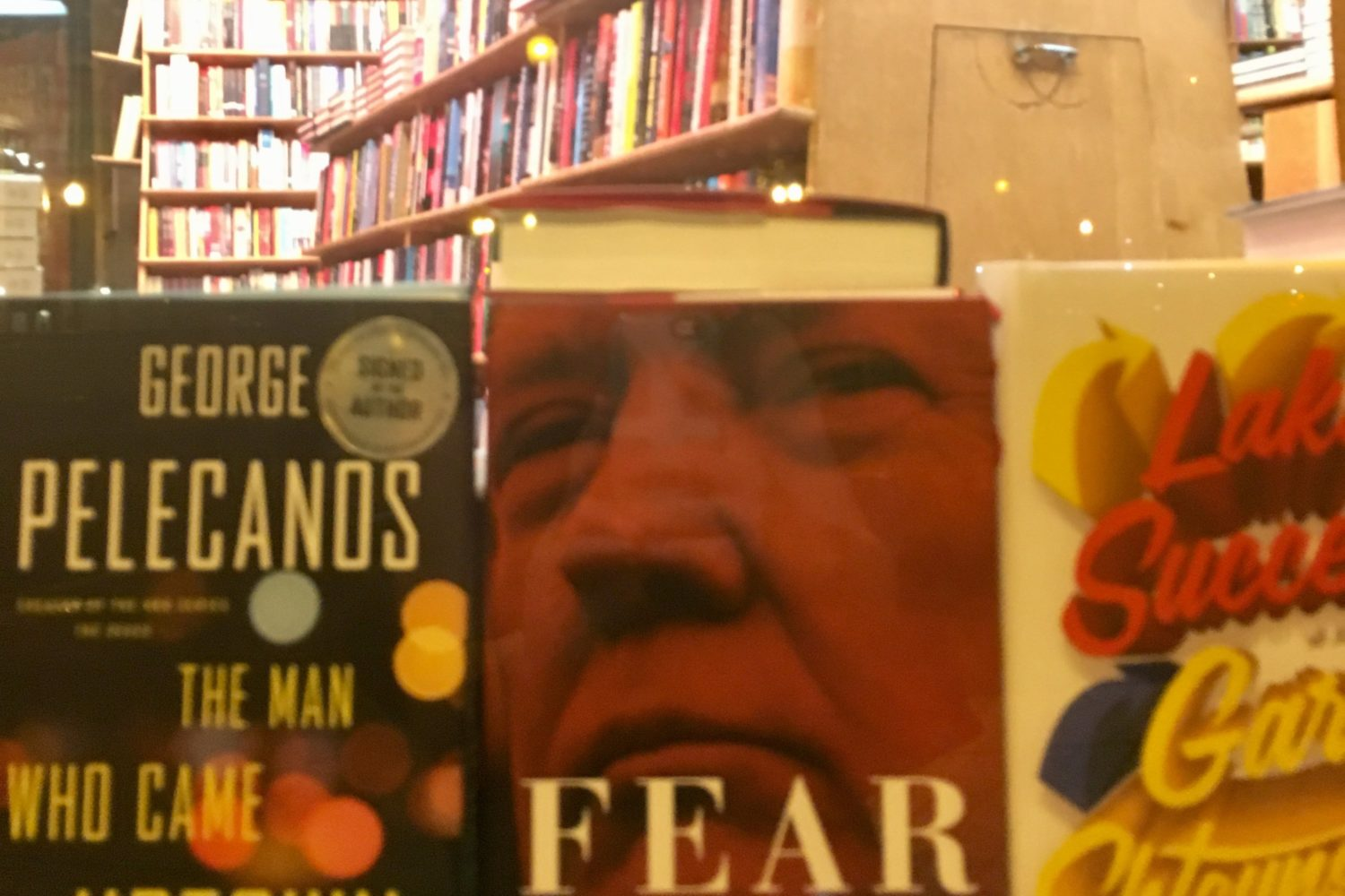 """Here's What It Was Like at the DC Midnight Release of Bob Woodward's """"Fear"""""""