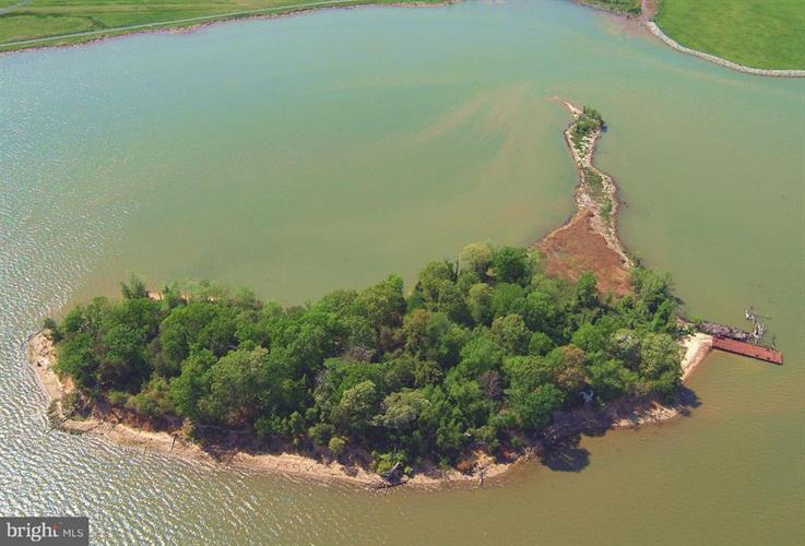 What You'll Get If You Buy That Island That's for Sale in the Potomac
