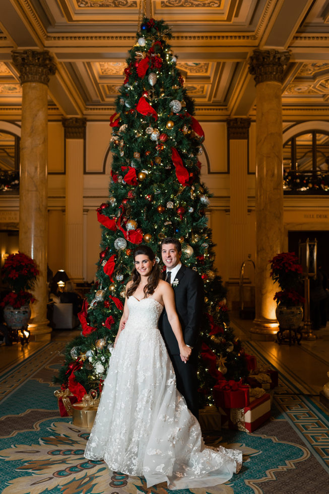 Natalie Garagiola & Eddie Longosz | Lisa Boggs Photography | natalie_eddie_baseball_holiday_wedding_08