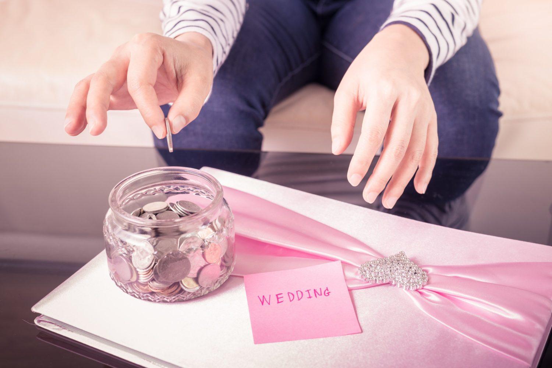 save money on wedding expert advice ways to save money budget wedding ideas tips