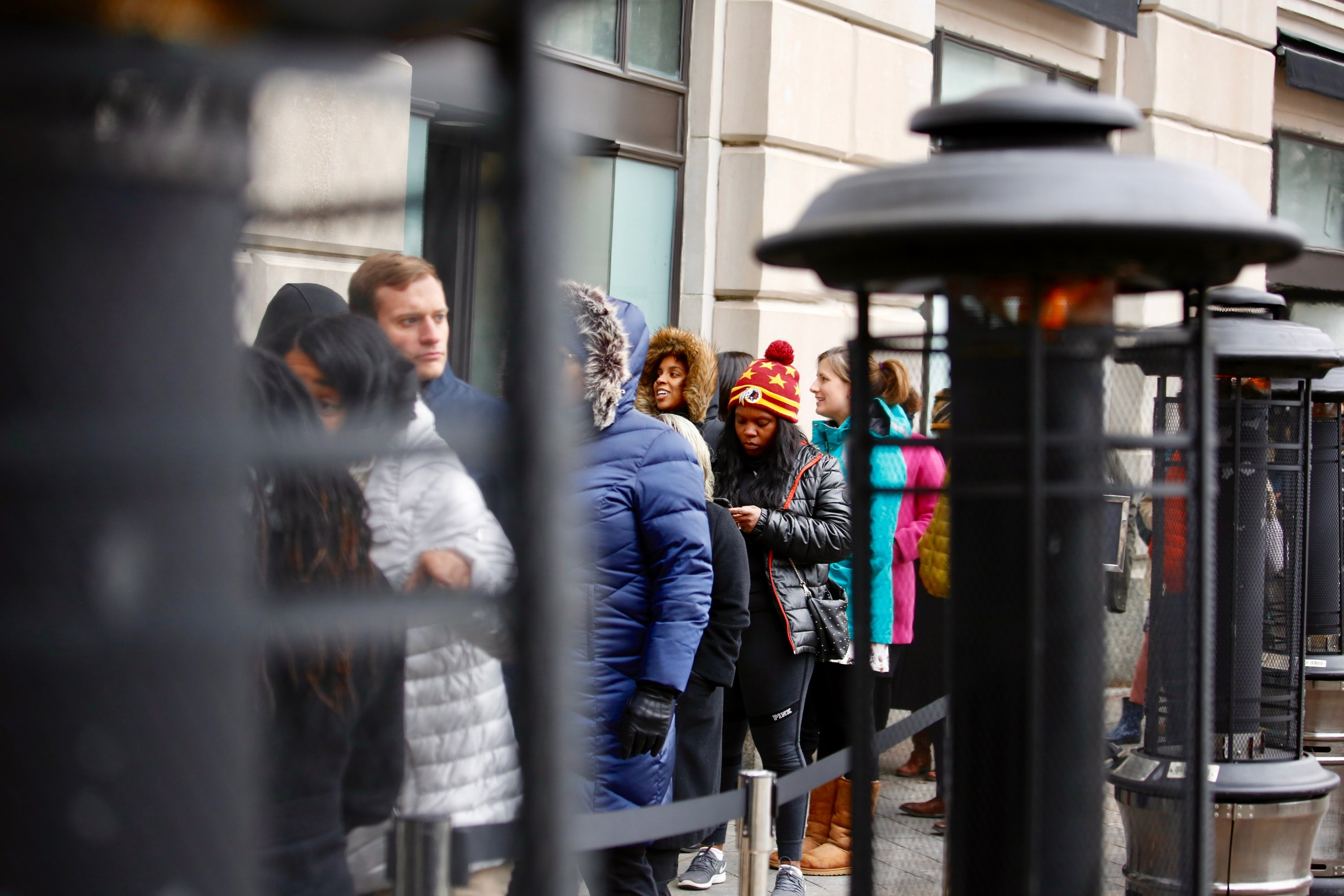 A DC Woman Gave $640 to Federal Employees Waiting in Line at José Andrés' Relief Kitchen