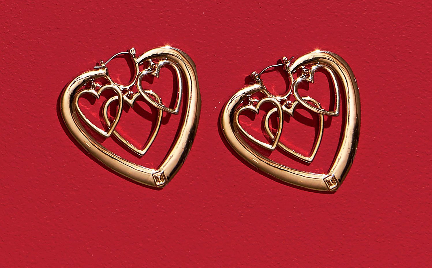 The Valentine's Day Gift Your Girlfriend Will Love: Heart-Shaped Earrings