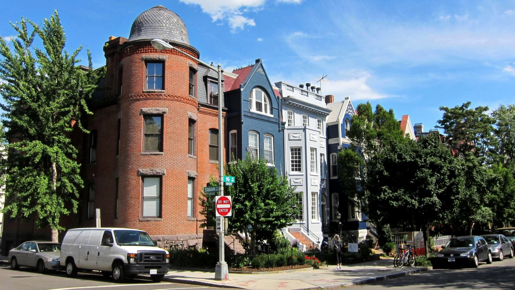 Dupont Circle neighborhood with historic homes. Photograph by Flickr user NCinDC.