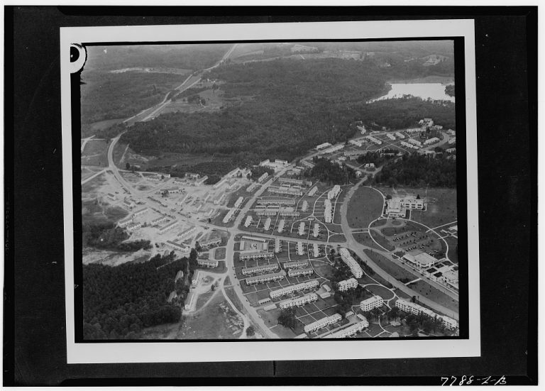 Greenbelt in 1941. Photograph courtesy of Library of Congress.