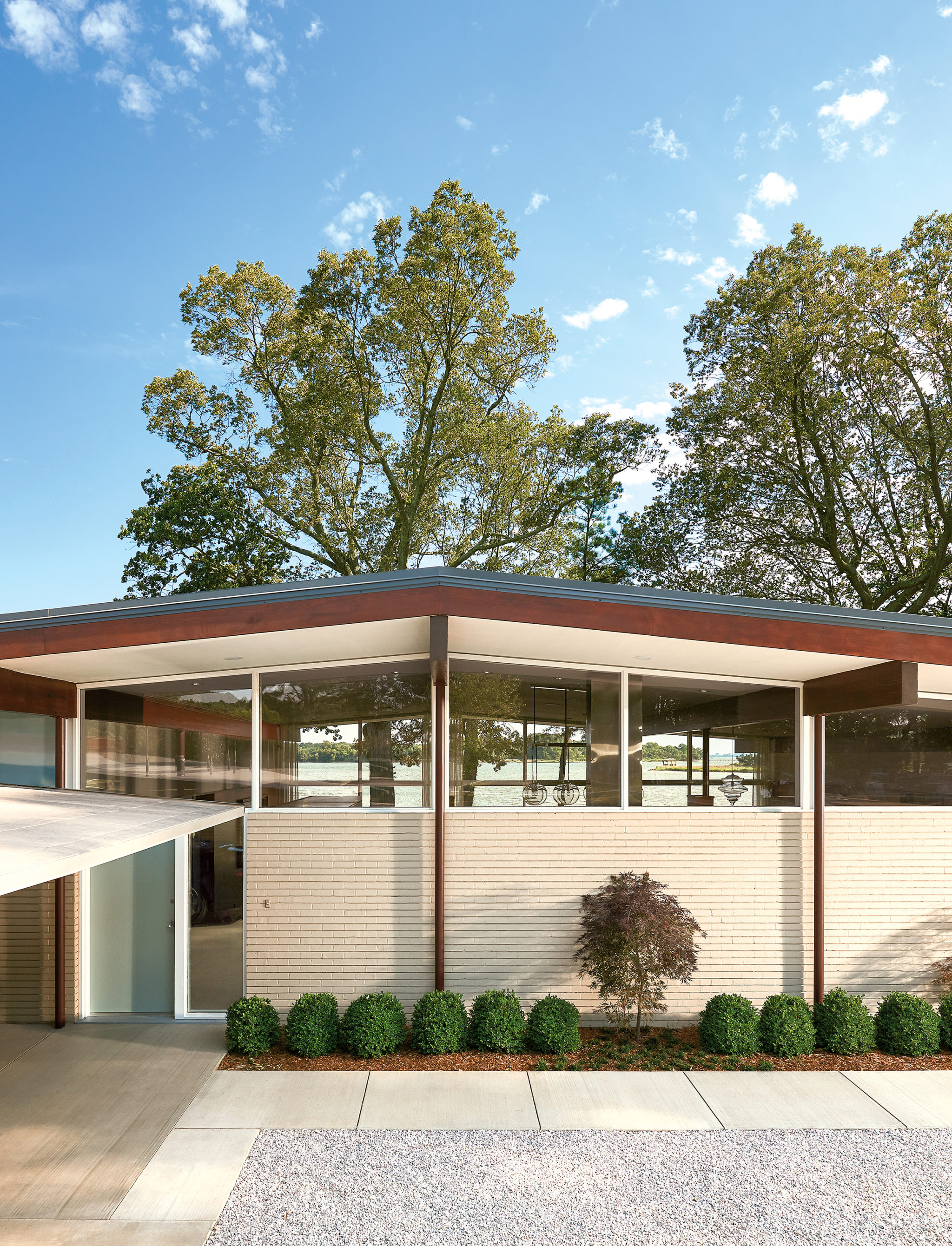 On the Eastern Shore, a Midcentury House Is Restored to Its Former Glory