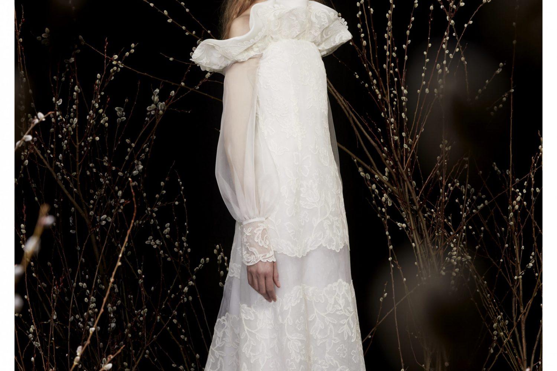 wedding-dresses-with-modern-necklines