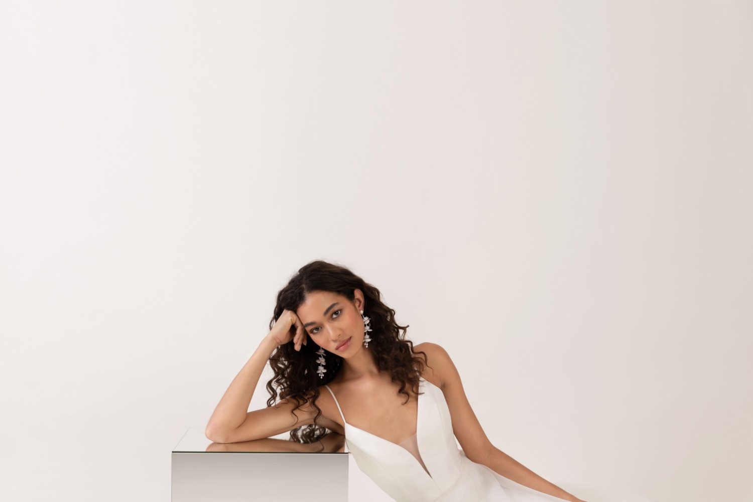 deep-v-neck-wedding-dresses