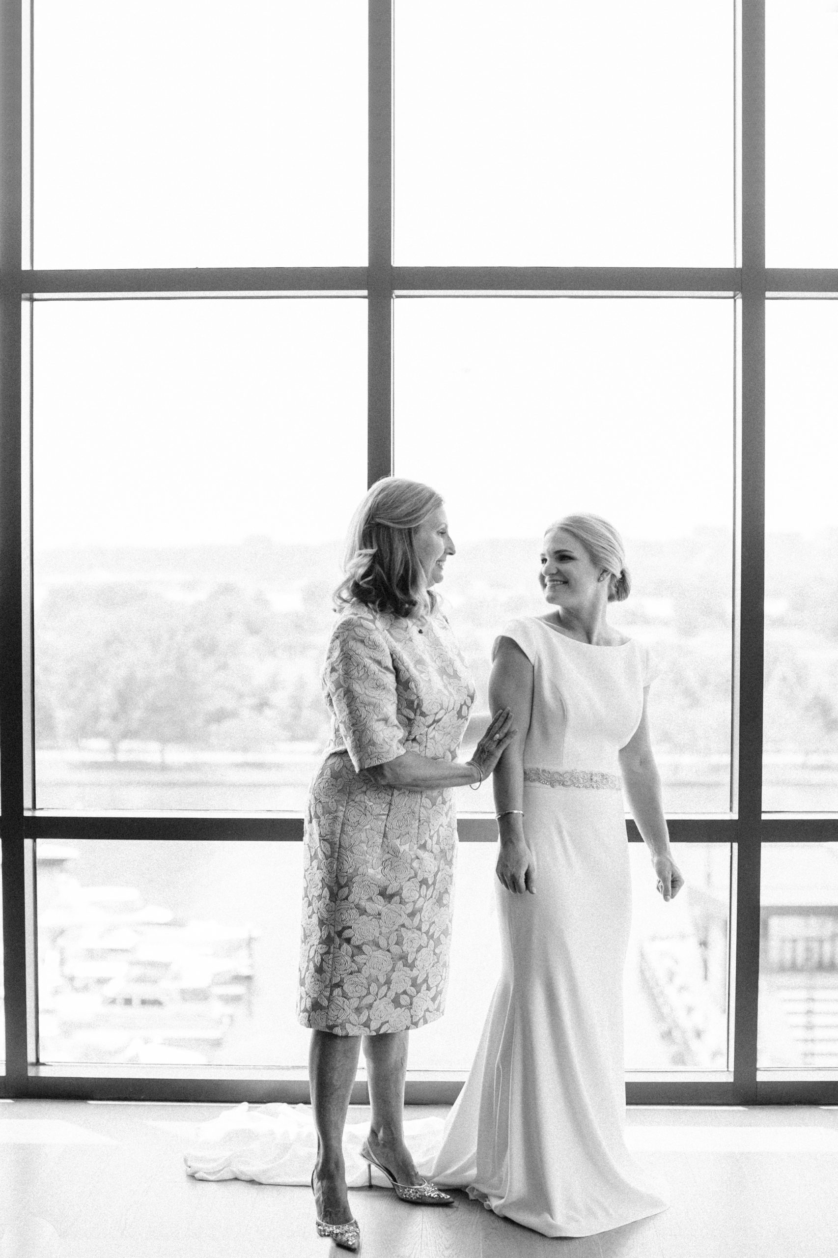 18Chesney_Travis_Intercontinental_Hote_DC_Wharf_Wedding_AstridPhotographyAP_04790