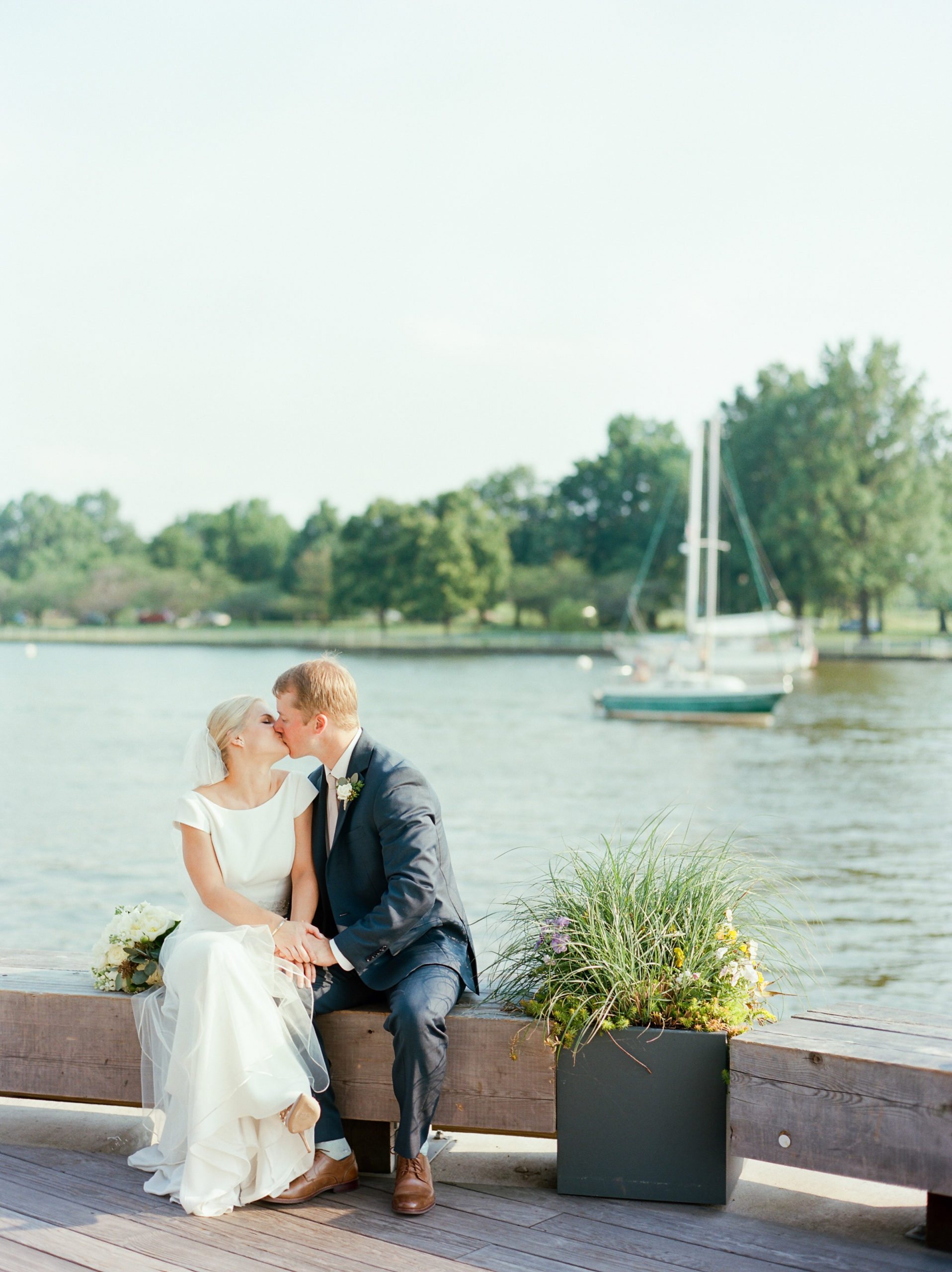 53Chesney_Travis_Intercontinental_Hote_DC_Wharf_Wedding_AstridPhotography134070080016-2