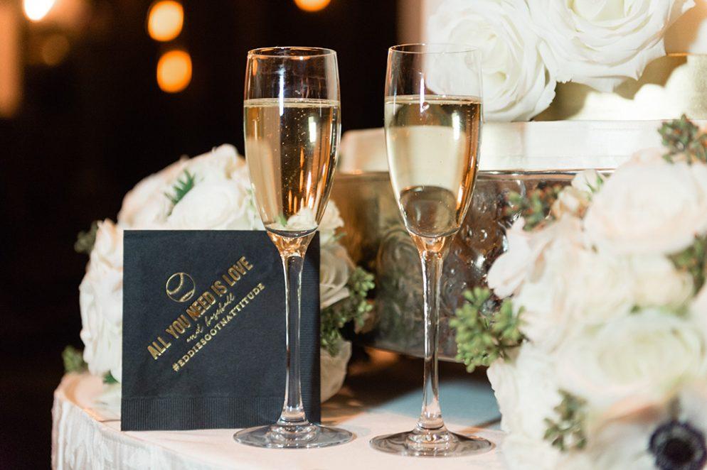 Natalie-Garagiola-Eddie-Longosz-Lisa-Boggs-Photography-natalie_eddie_baseball_holiday_wedding_19-994x662