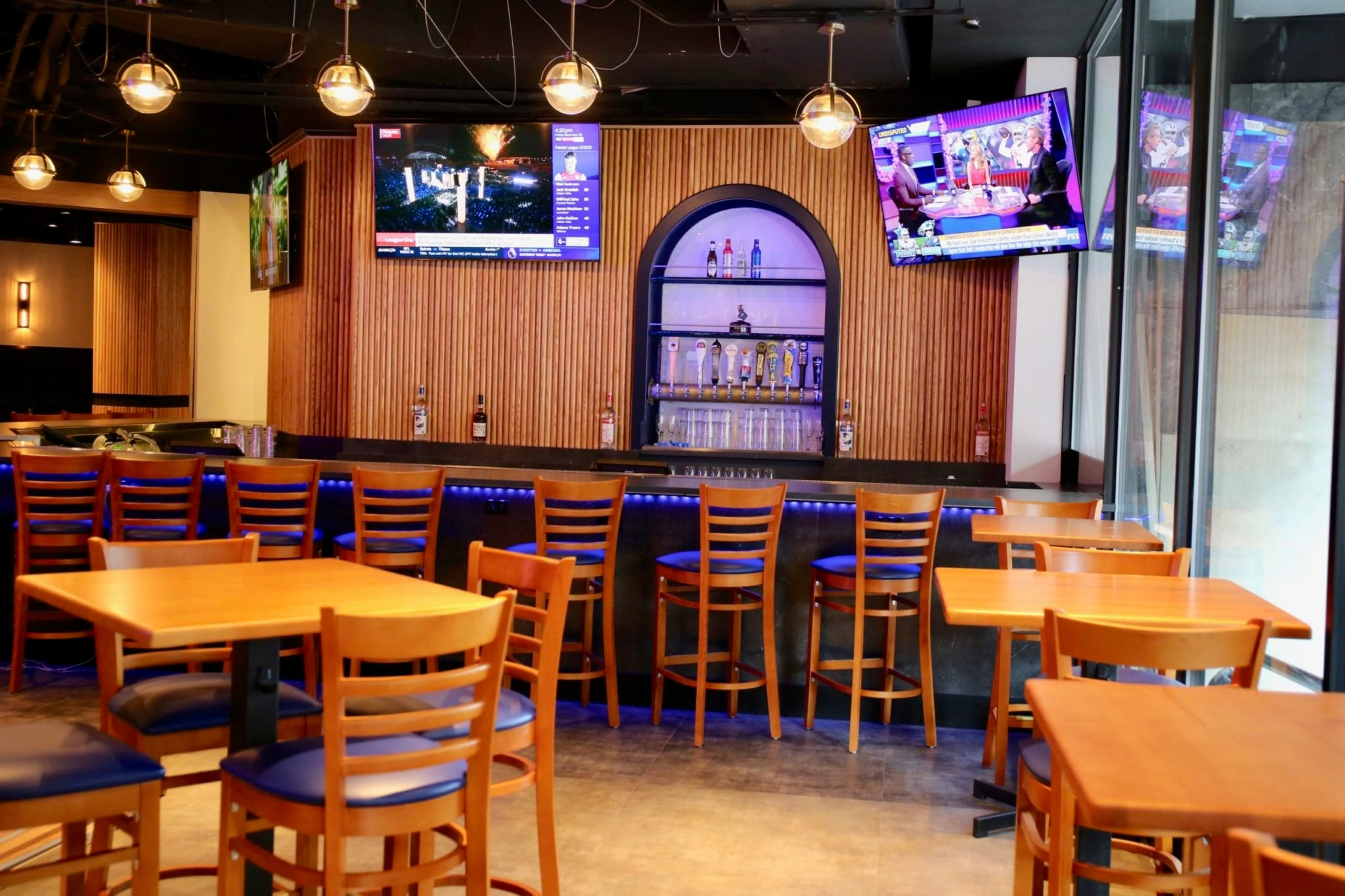 The Admiral opens today in Dupont Circle with 18 flat screen TVs and daily happy hour. Photo by Evy Mages.