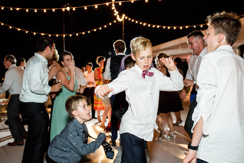 kids-at-wedding