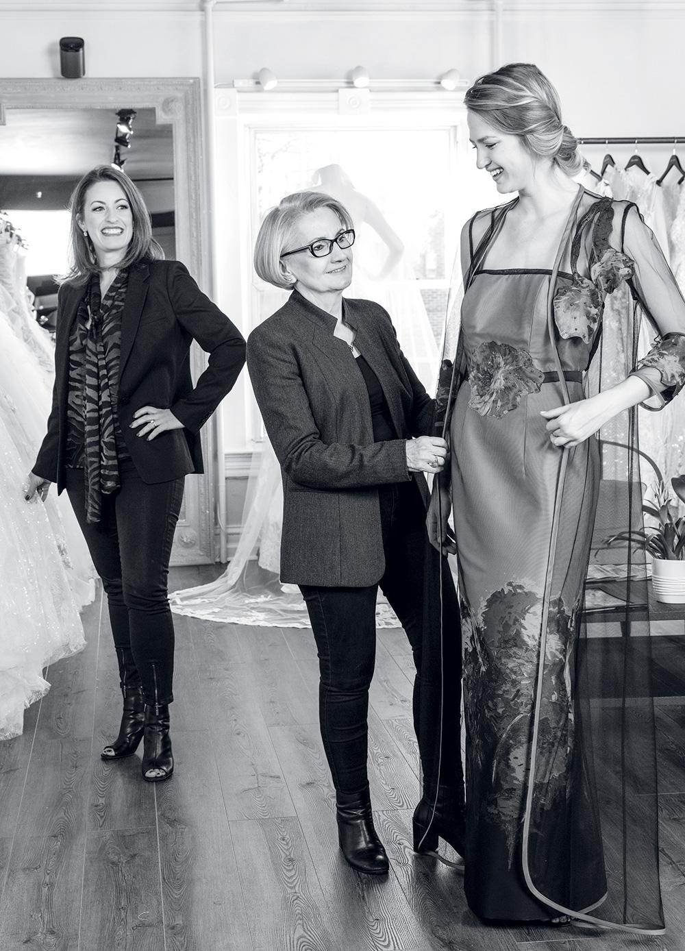 Zoya's Atelier - Industry Leader in Women's Fashion