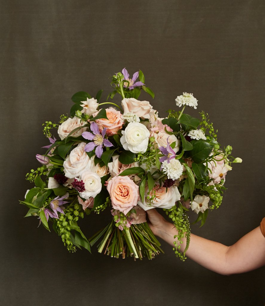 whats-in-season-for-wedding-bouquets