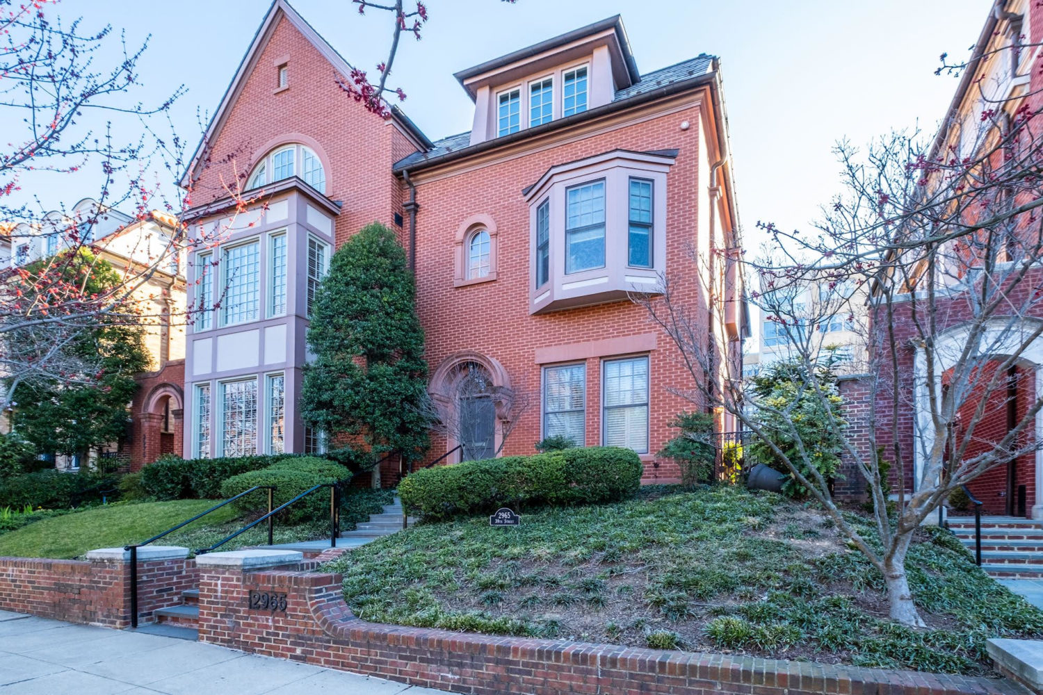 Beautiful home on sought-after Alban Row