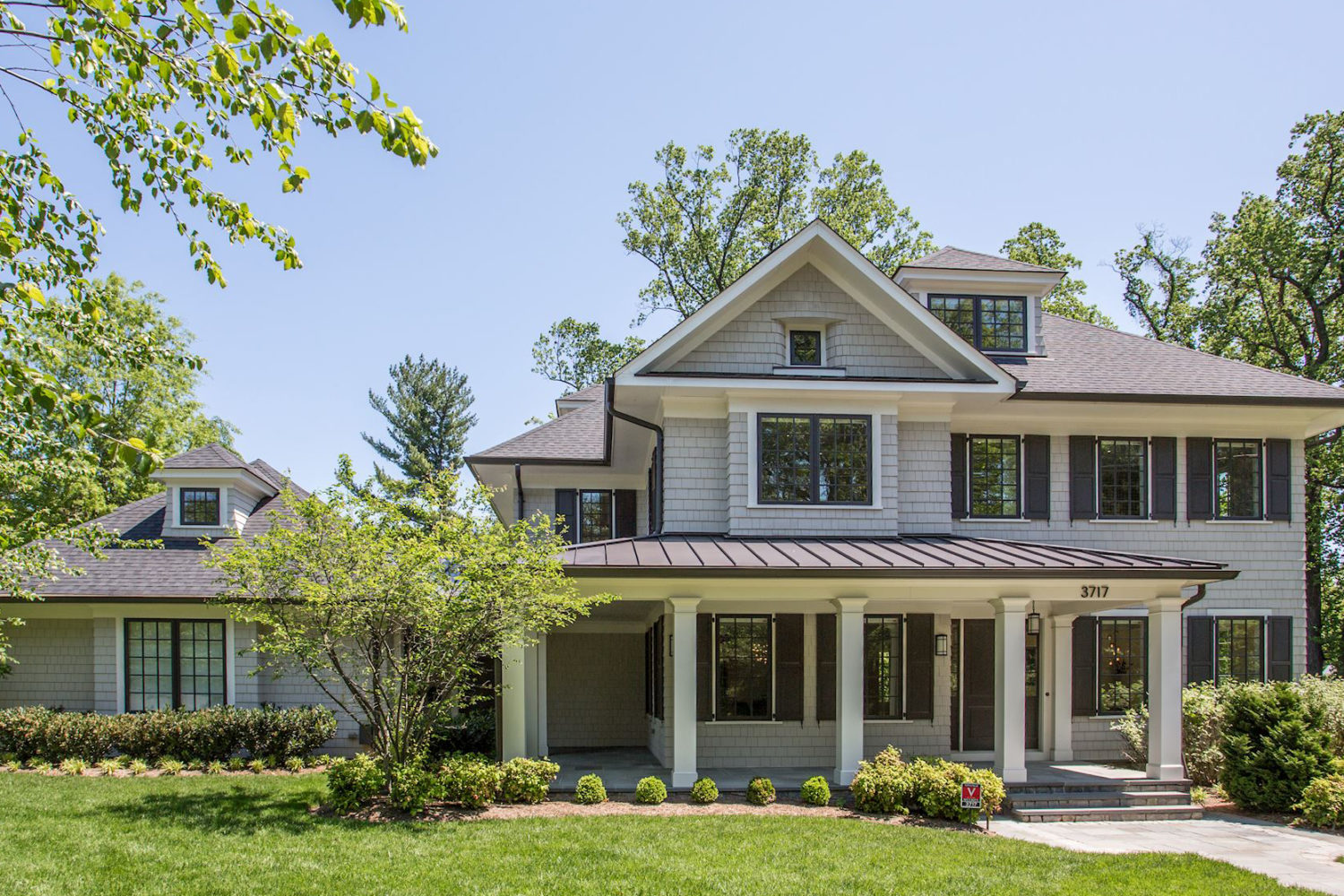 Award Winning Custom Home in Riverwood