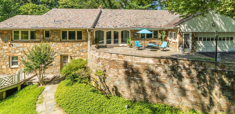 Custom Stone Home on 37,989 SF Lot alt=