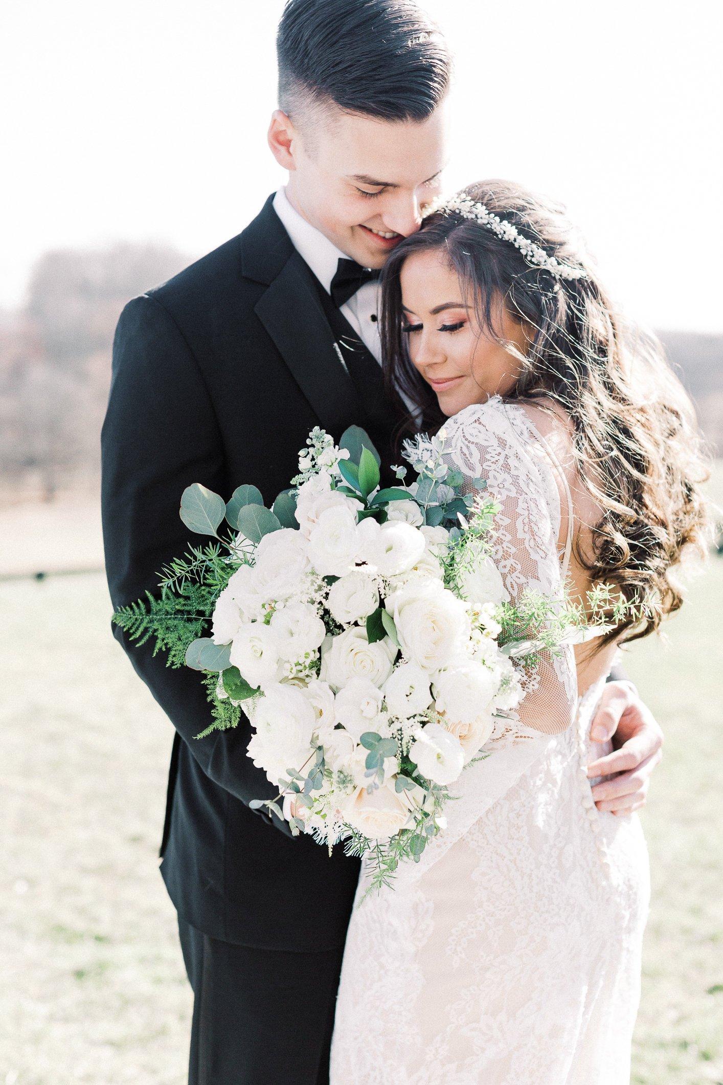 rustic-chic-barn-wedding