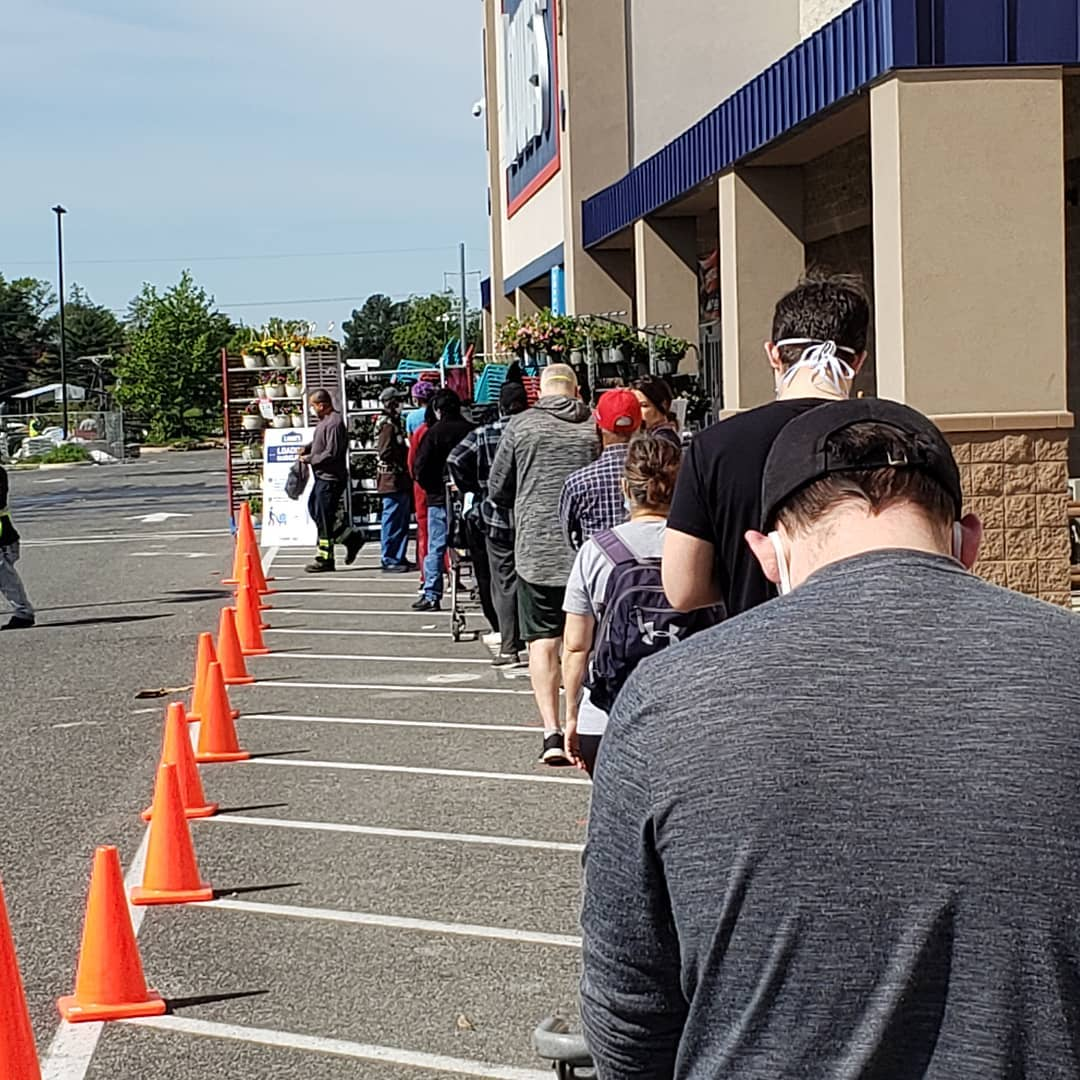 A line of people wait outside of the Fort Lincoln Lowes. Photo courtesy of DC Public Library.
