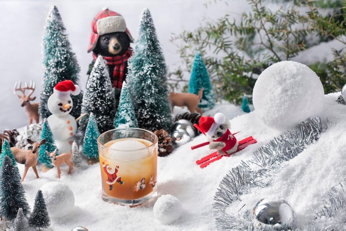 DC's Christmas Bar Will Return This Year—Coronavirus Be Damned