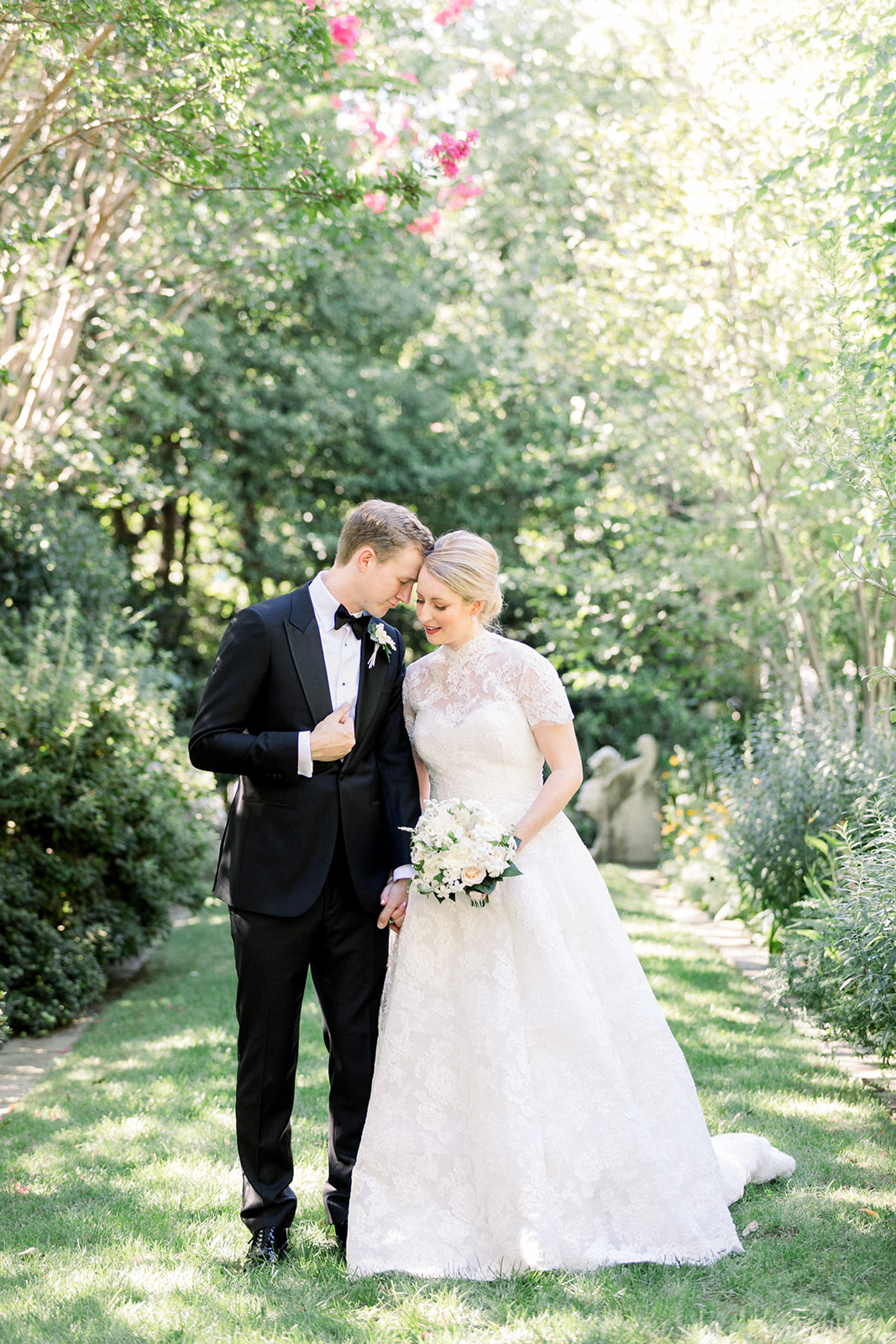 Overland Park Arboretum Wedding   Cara + Andy   Hey Tay