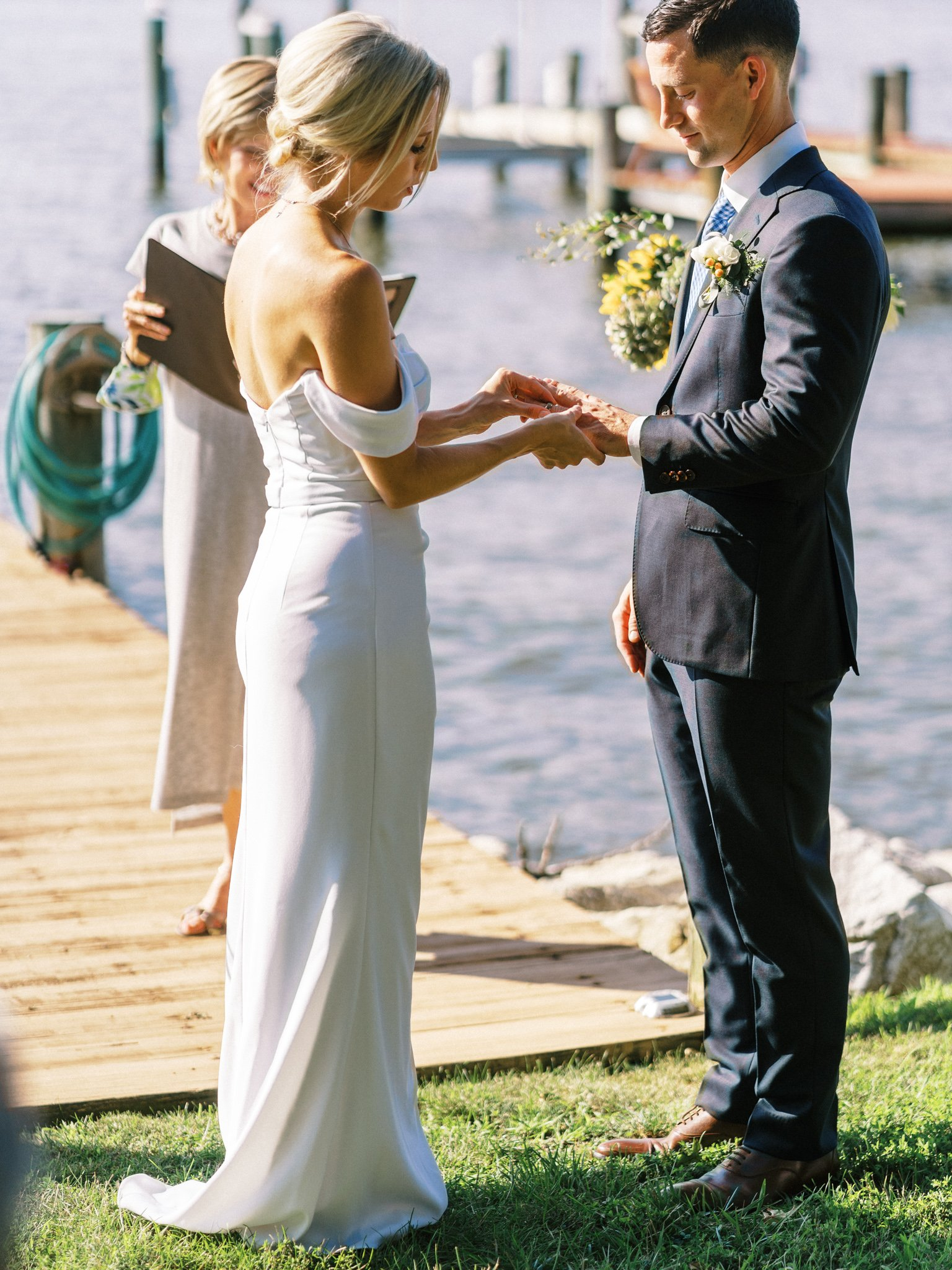 Gray_Joiner_e. losinio photography_annapolis-maryland-waterfront-elopement-183