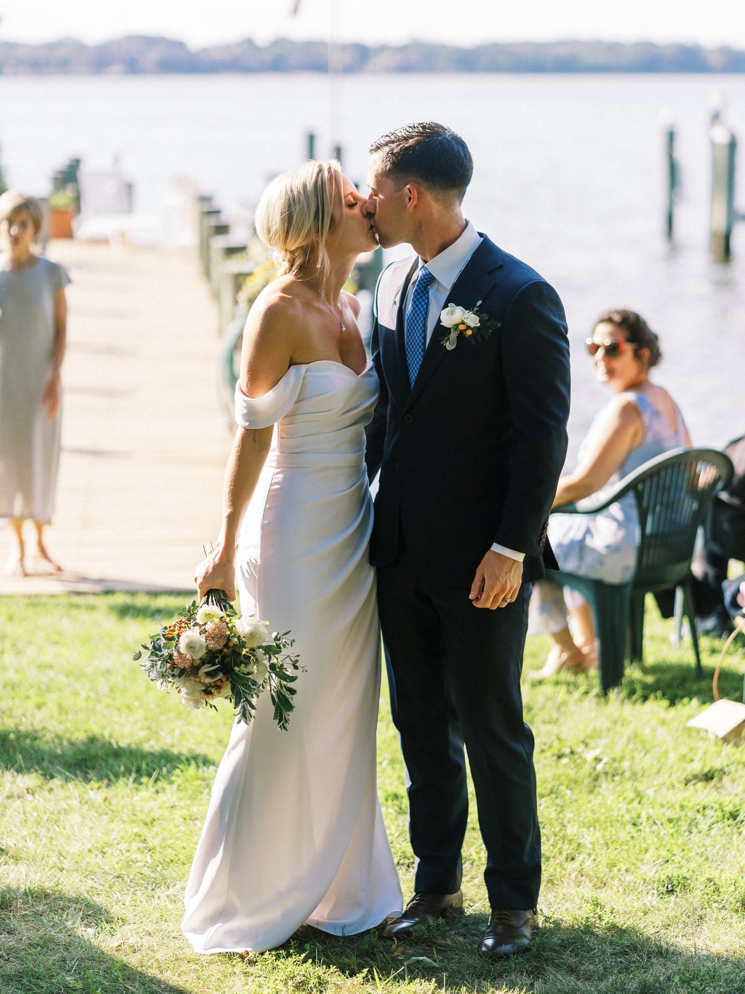 Gray_Joiner_e. losinio photography_annapolis-maryland-waterfront-elopement-194