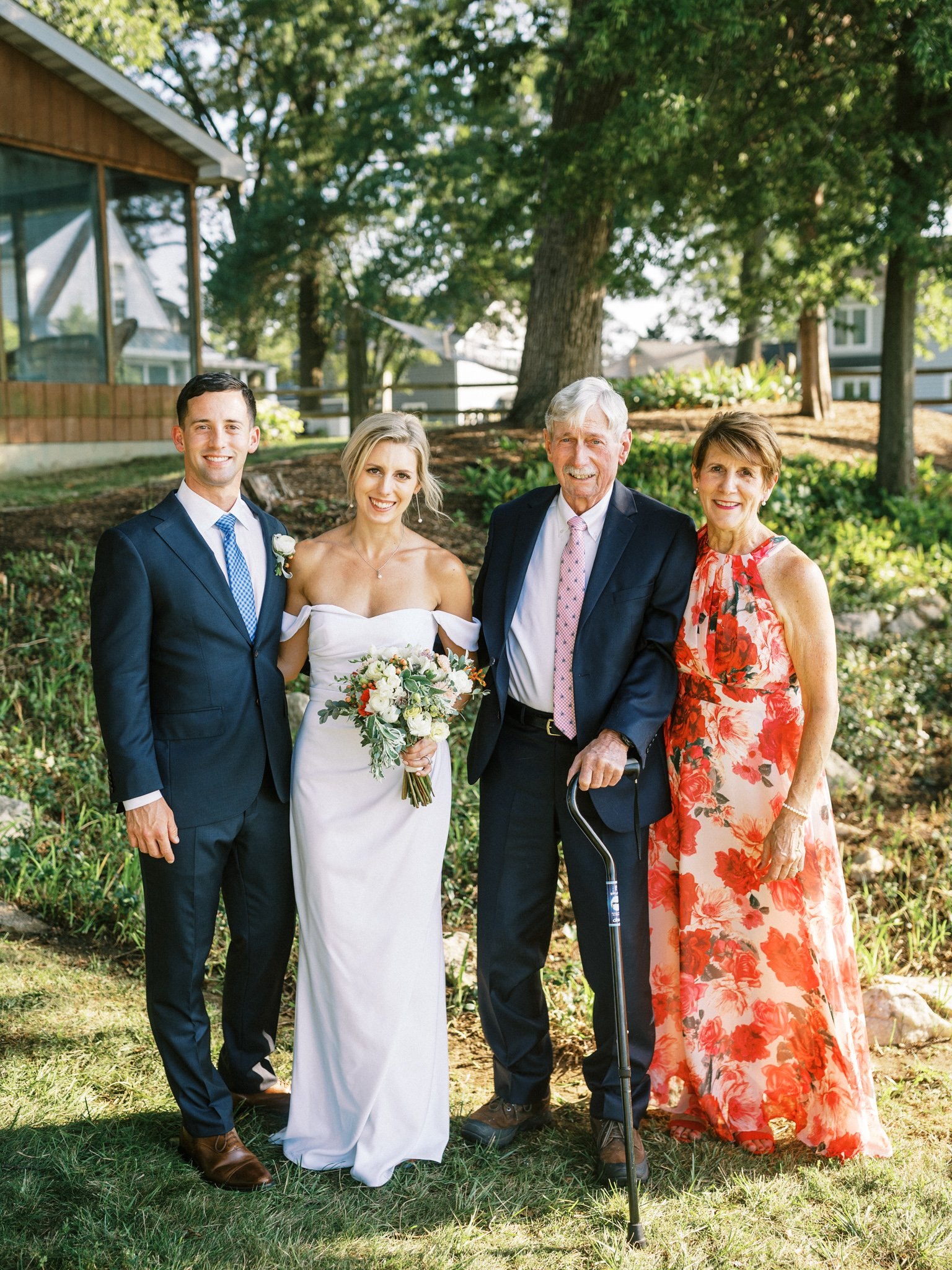 Gray_Joiner_e. losinio photography_annapolis-maryland-waterfront-elopement-240