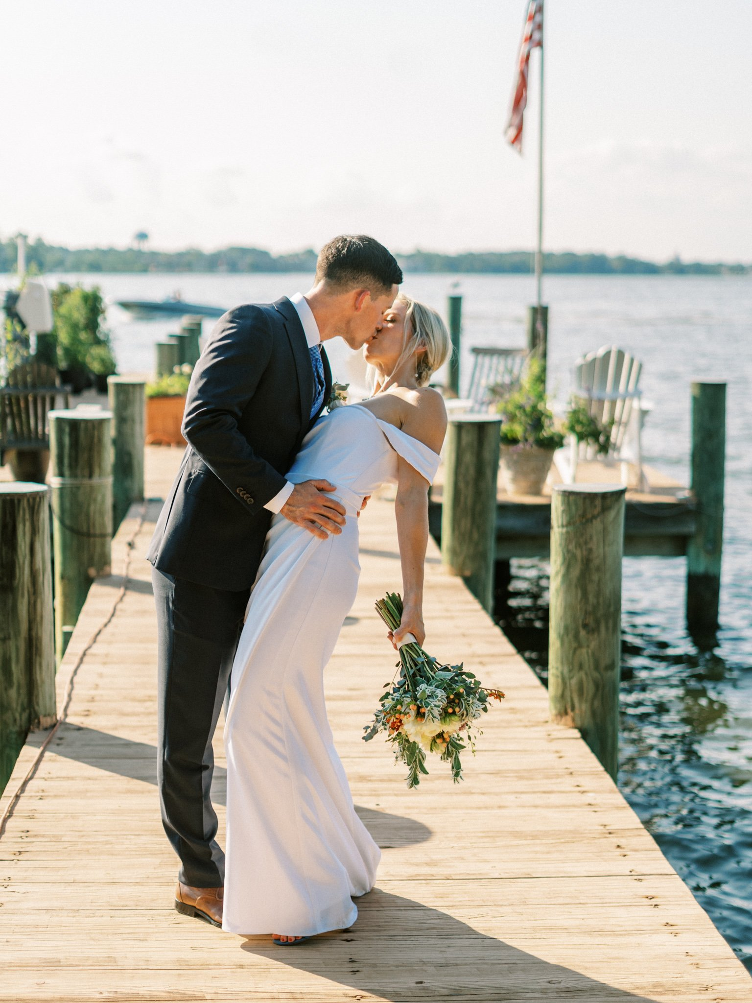 Gray_Joiner_e. losinio photography_annapolis-maryland-waterfront-elopement-256