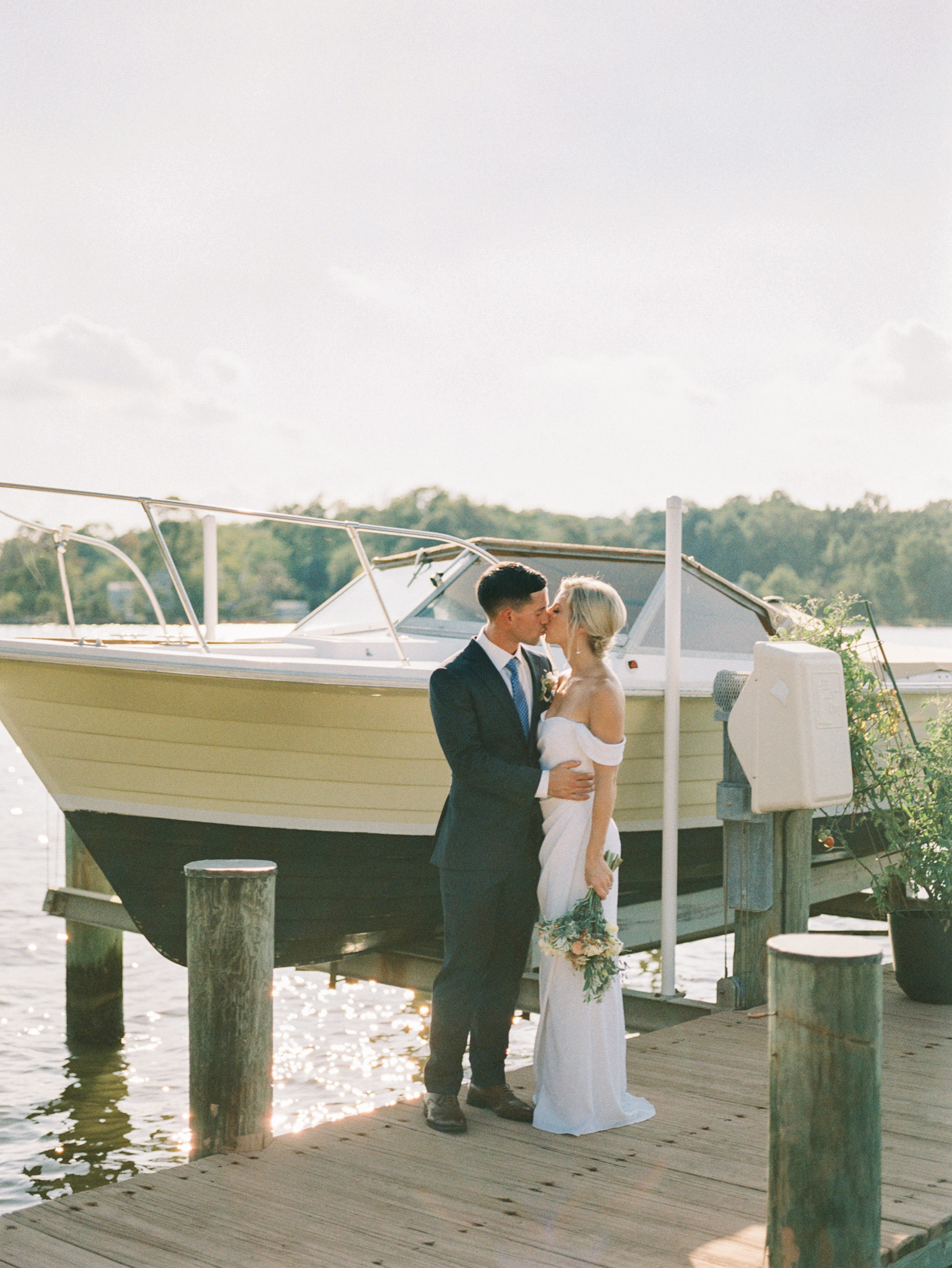 Gray_Joiner_e. losinio photography_annapolis-maryland-waterfront-elopement-278