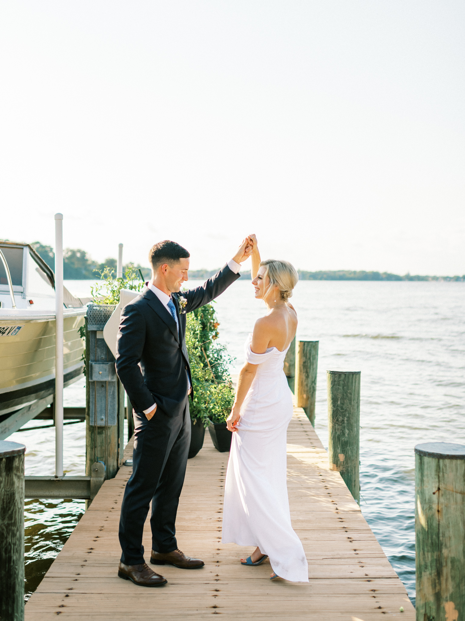 Gray_Joiner_e. losinio photography_annapolis-maryland-waterfront-elopement-293