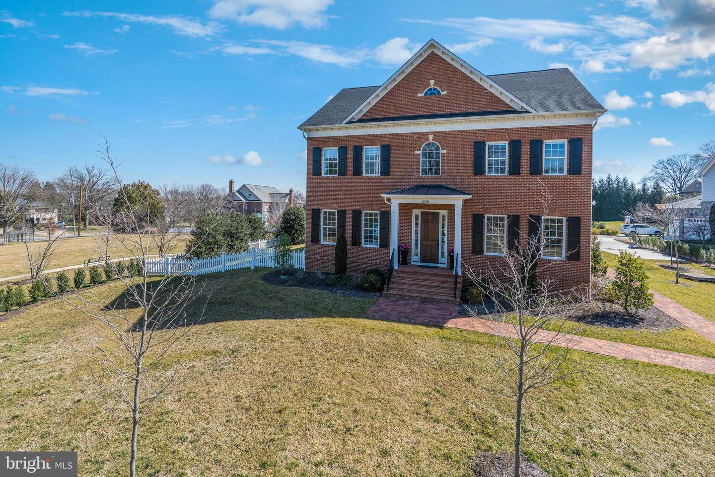Luxurious Home on More Than Half Acre Lot in the Heart of Alexandria